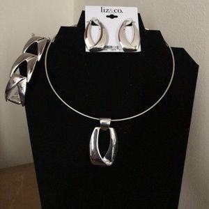 Liz & Co. silvertone jewelry ( 3 piece set)